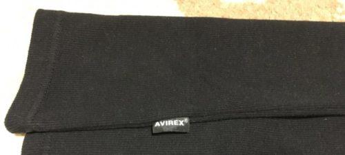 AVIREXのタンクトップ(灰色)に付いている側面のロゴ
