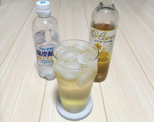 蜂蜜酒「HoneyRochプレーン」の炭酸レモン割り